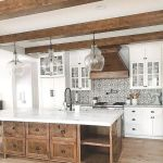 20 Beautiful Farmhouse Kitchen Backsplash Decor Ideas and Remodel (9)