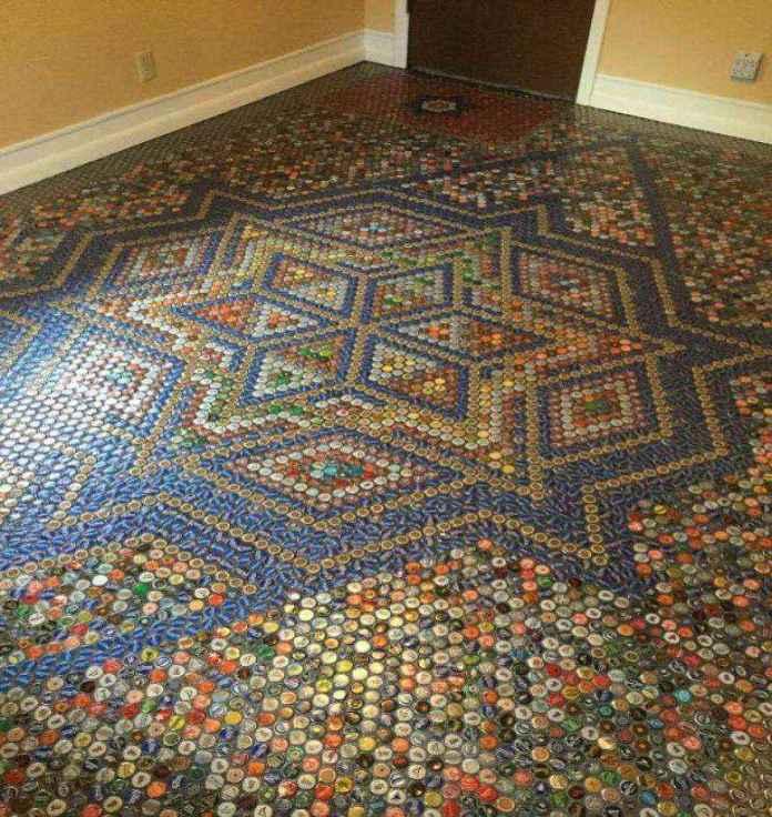 how-to-create-a-superbe-design-with-bottle-cap-floor-tile-58df040295343__880 | Необычный пол из бутылочных крышек