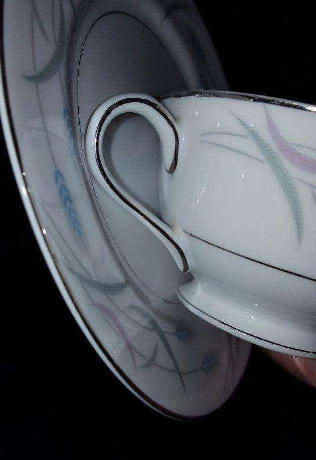 image7-3 | Оригинальный светильник из старого сервиза — теперь вы не выбросите ни одной старой чашки!