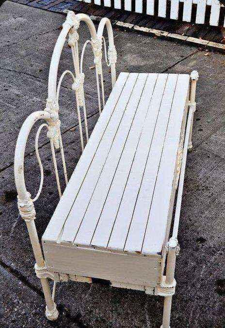 image1-7 | Как использовать старую кровать на приусадебном участке и дома