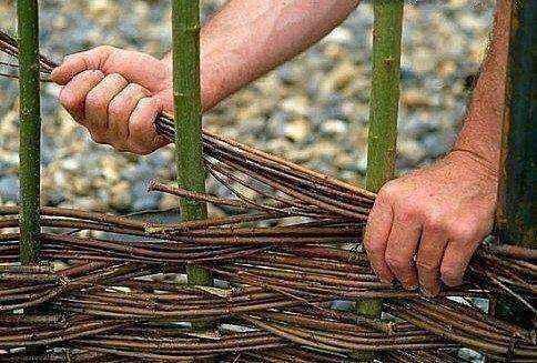 image2-7 | Делаем плетень на даче своими руками
