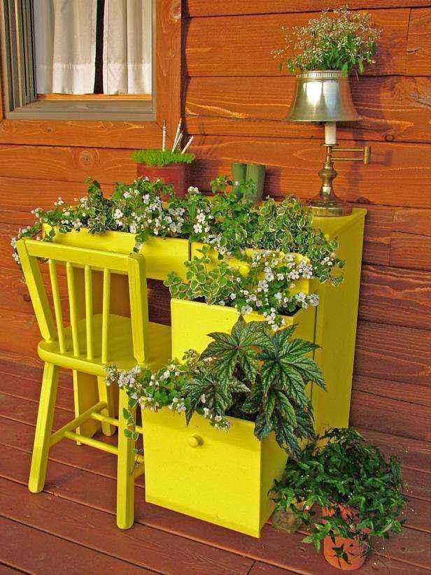 1420781073734   Банки от краски, пустые ящики от фруктов, старая мебель — креативному мастеру пригодится всё!
