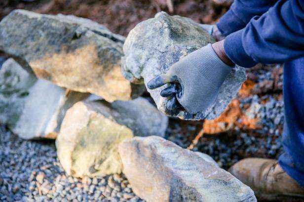 1509630621927 | Как построить поддерживающую стену из натурального камня