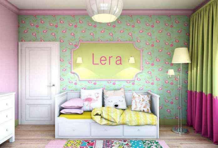 3-light-pink-school-girls-kids-room-interior-with-yellow-accents-flamingo-wallpaper-green-white-furniture-door-floor-lamp-sleeping-area-carpet-sconces-chest-of-drawers | Спальня для девочки ученицы начальных классов