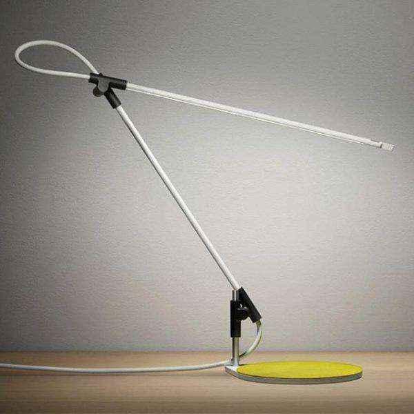 long-line-three-axis-tall-designer-table-lamps-600x600 | Необычное рядом: дизайнерские настольные лампы