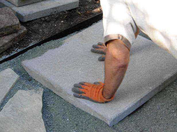 1420674126086 | Как сделать мозаичный пол во дворе из натурального камня