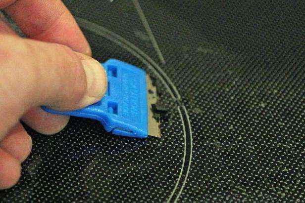 1442429063026 | Как очистить стеклянную варочную панель натуральными средствами без использования химии