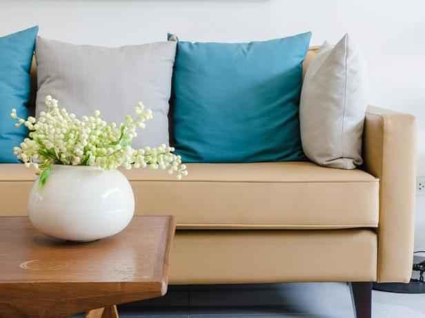 image1-64 | Как почистить диван из любой ткани