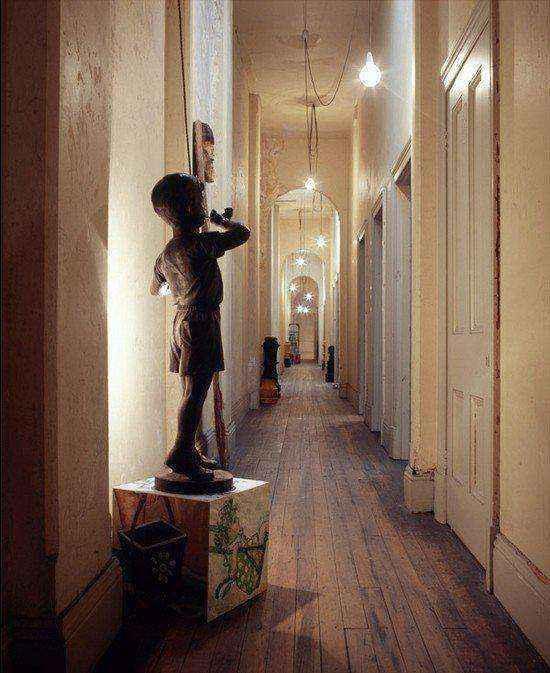 image7-10   Как украсить коридор и прихожую