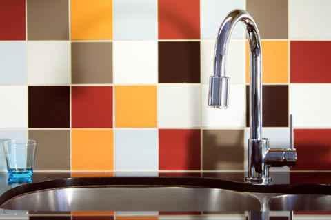 image1-14 | Несколько способов оживить скучную плитку в кухне
