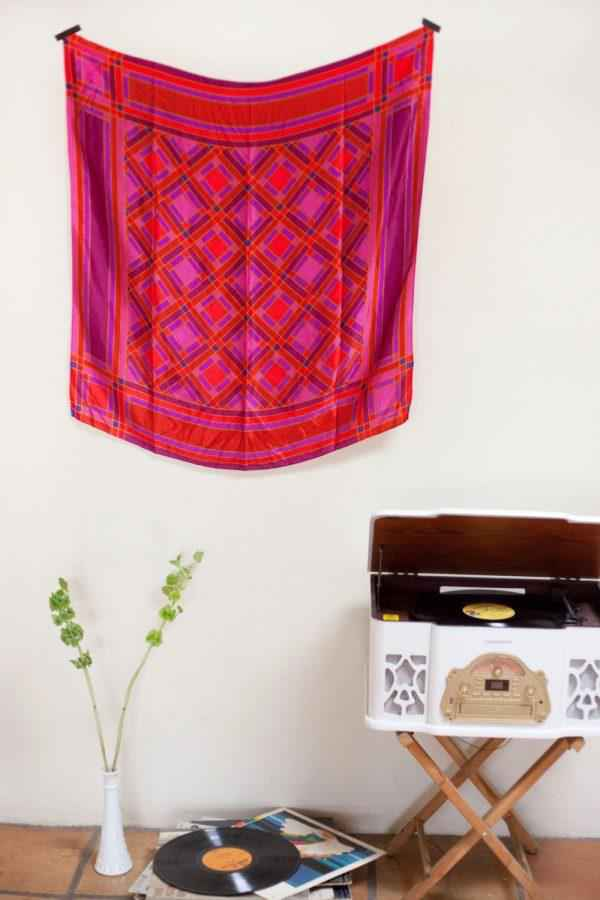 image6-15 | Как использовать шелковые шарфы для украшения интерьера