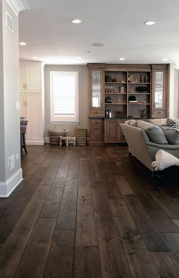 image10-19   30 идей темного деревянного пола в гостиной