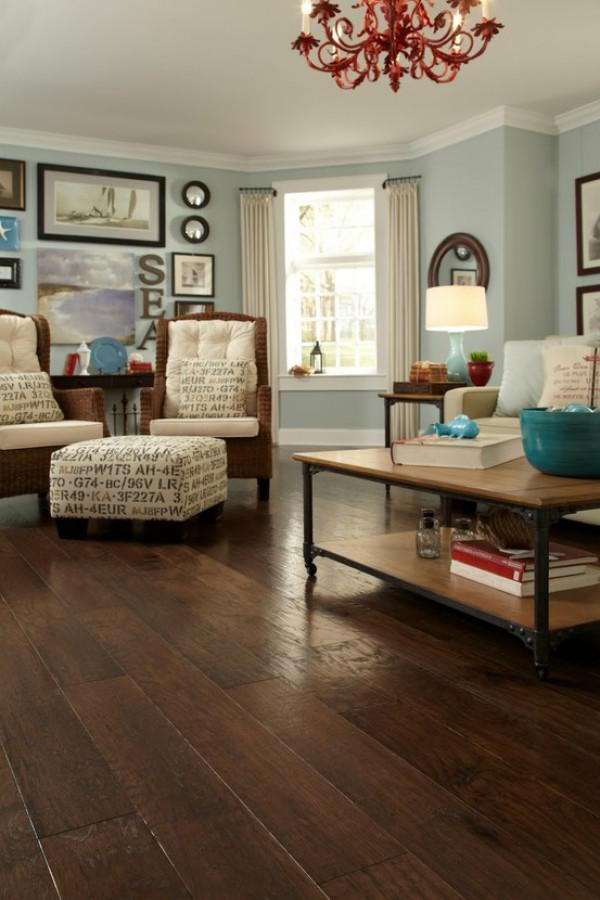 image5-20   30 идей темного деревянного пола в гостиной