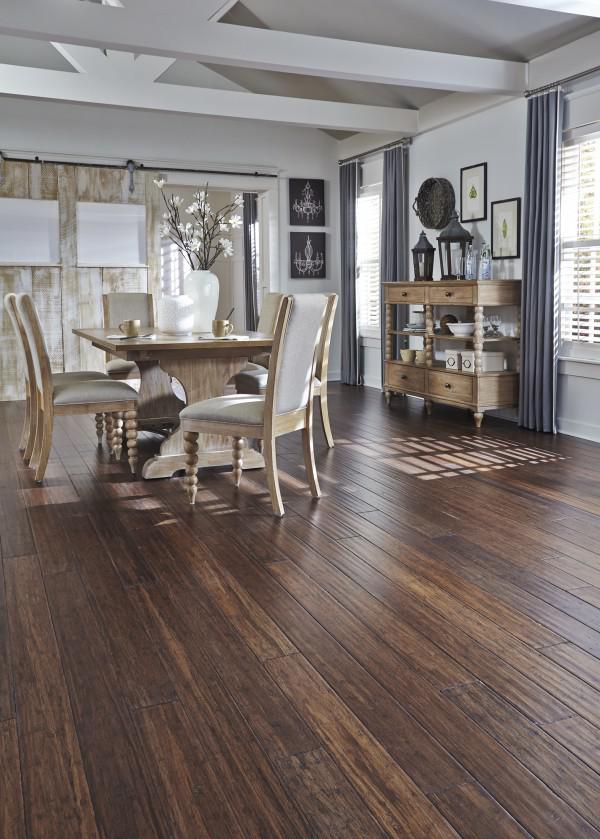 image6-20   30 идей темного деревянного пола в гостиной