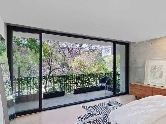 image24-17 | 25 межкомнатных стеклянных дверей в интерьере