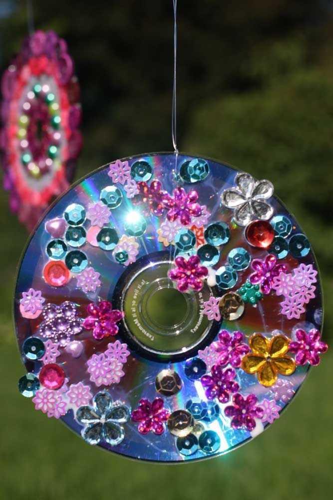 image1-30   Новогодние украшения из ненужных компакт-дисков