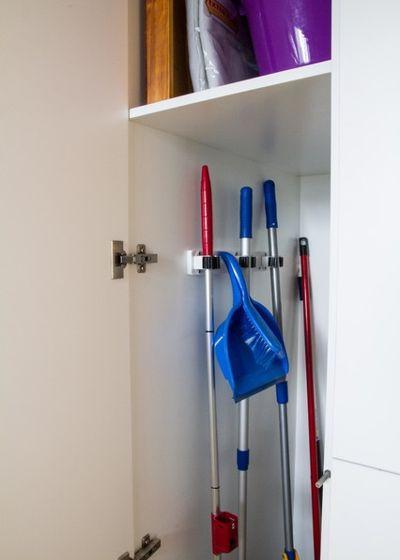 image8-4 | Где хранить швабры, метлы, гладильную доску и другие нужные вещи