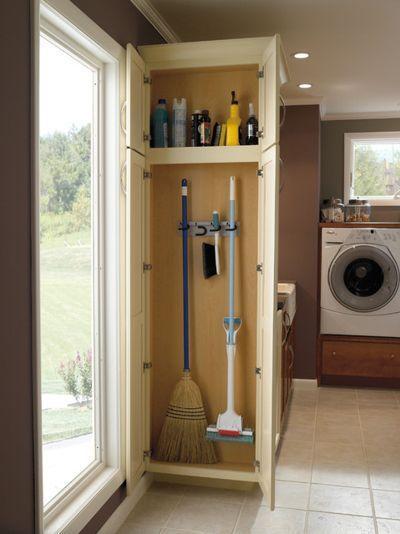 image9-2 | Где хранить швабры, метлы, гладильную доску и другие нужные вещи