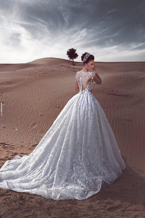 پيراهن زيبا عروسى