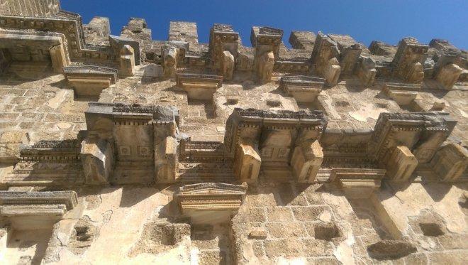 Aspendos Tiyatrosu duvarları / Dök Mimarlık