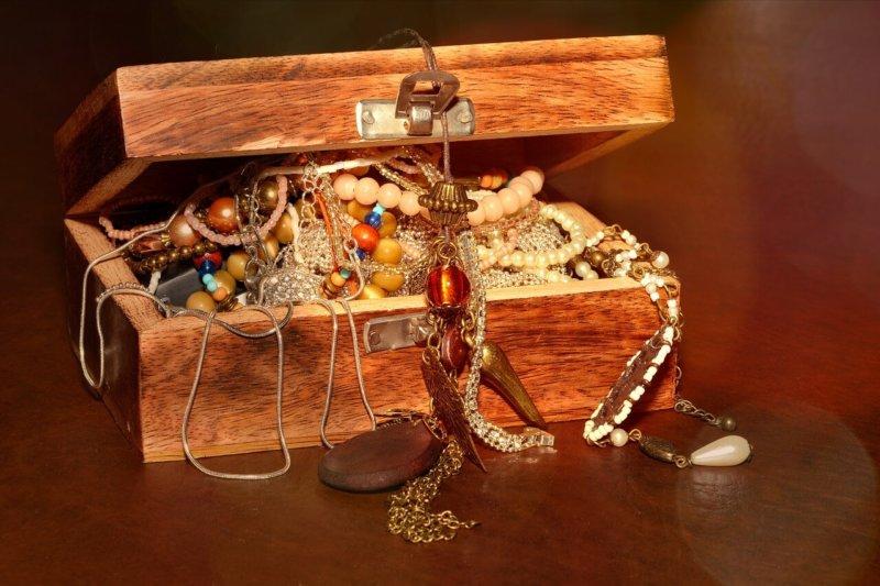 【おひとりさまの終活】「まんだらけの生前見積」で、大事なコレクションを本当のお宝にする!