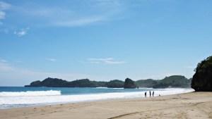 Pantai Bajul Mati
