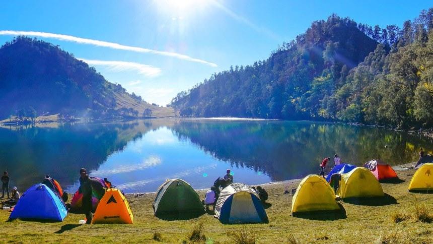 Taman Wisata Gunung Semeru Taman Wisata Gunung Semeru Cover - Dolan Dolen