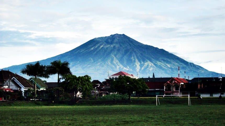 Gunung Arjuno Gunung Arjuno Cover - Dolan Dolen