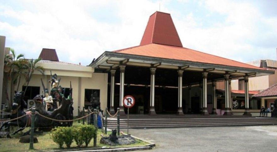 Museum Ronggowarsito Museum Ronggowarsito - Dolan Dolen