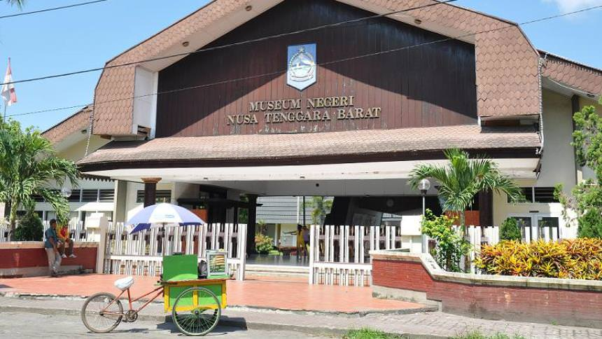 Museum Negeri Nusa Tenggara Barat Museum Negeri Nusa Tenggara Barat - Dolan Dolen