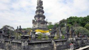 Pura Agung Jagatnatha Pura Agung Jagatnatha - Dolan Dolen