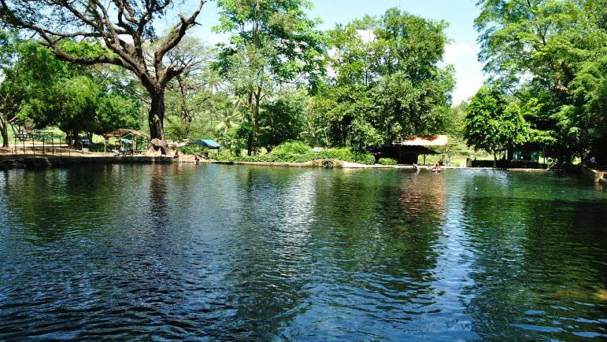 Sumber Mata Air Taman Gondanglegi Sumber Mata Air Taman Gondanglegi - Dolan Dolen