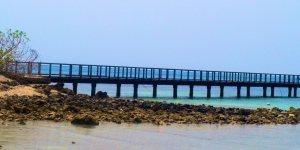 Pantai Tanjung Lesung Bisa Membuang Kenangan Pahitmu