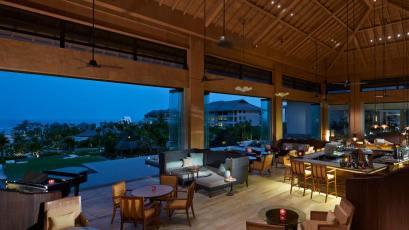 The Ritz Carlton Bali Lounge & Bar