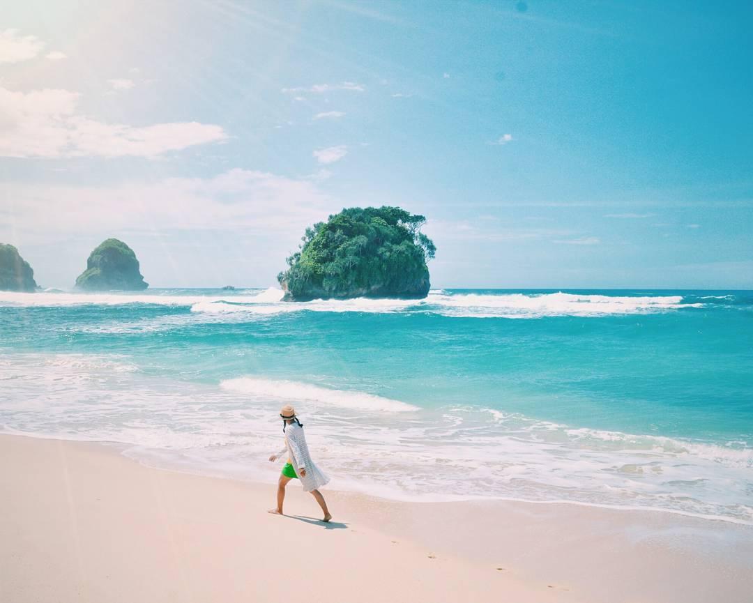 Watu Leter Beach Malang Pantai Watu Leter by Rio Wija Dolandolen - Dolan Dolen