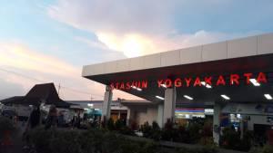 Stasiun Kereta Api Yogyakarta, Yogyakarta, Dolan Dolen, Dolaners