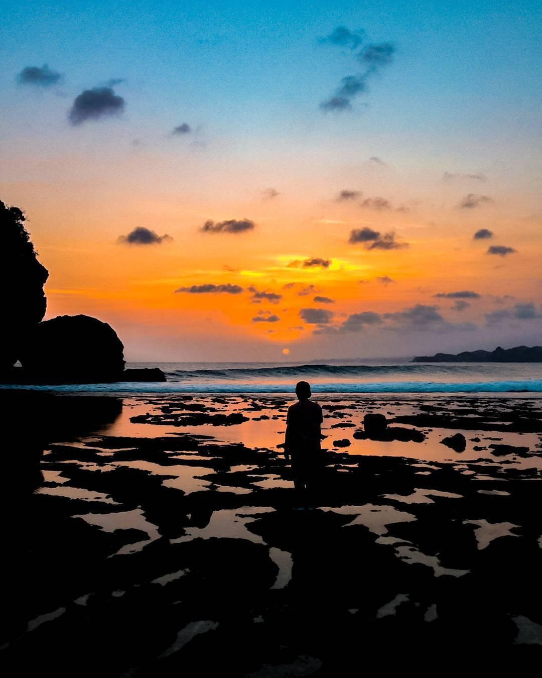 Mentari Terbenam Berwarna Jingga, Malang, Kabupaten Malang, Dolan Dolen, Dolaners Mentari Terbenam Berwarna Jingga by paksisuha - Dolan Dolen