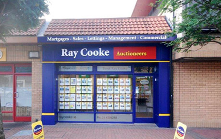 Shop Front Design  Ray Cooke Auctioneers