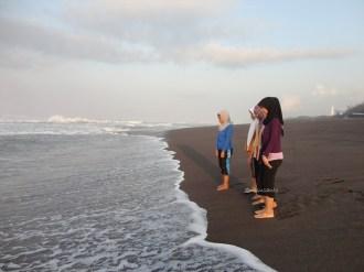 gowes pagi ke pantai pandansari dan mercusuar pantai patehan (18)