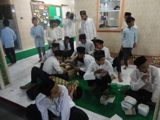 pengajian nuzulul qur'an masjid mashuri mangiran (257)