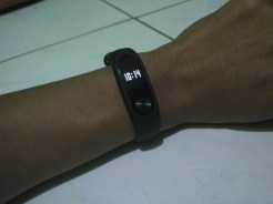 review xiaomi mi band 2 activity tracker (1)
