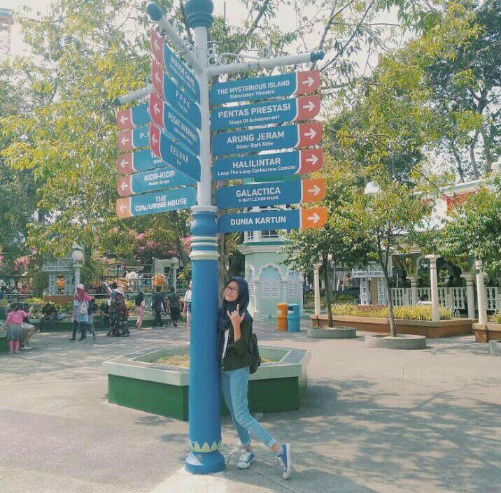 Taman Impian Jaya Ancol Palang