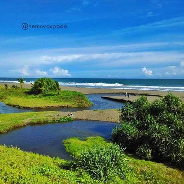 Pantai Bopong Languna