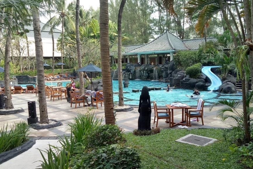 """Kolam Renang Jogja """"Swimming Pool Garden"""""""