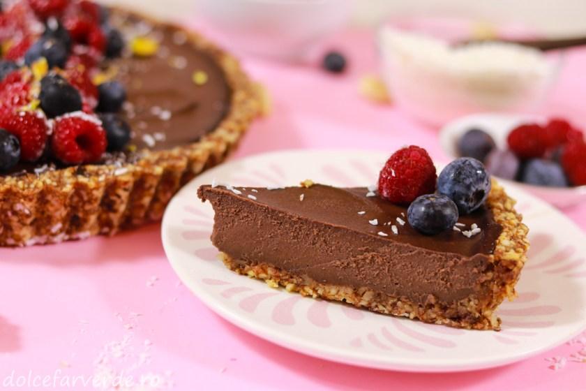 tarta raw vegana cu ciocolata