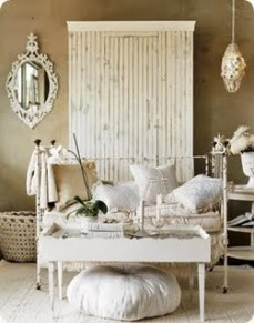 www.countryliving.com/homes/how-to-get-the-look/white-decorating-0209