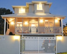 http://www.essentialbaby.com.au/forums/index.php?/topic/827235-are-good-colours-for-an-old-queenslander-house/