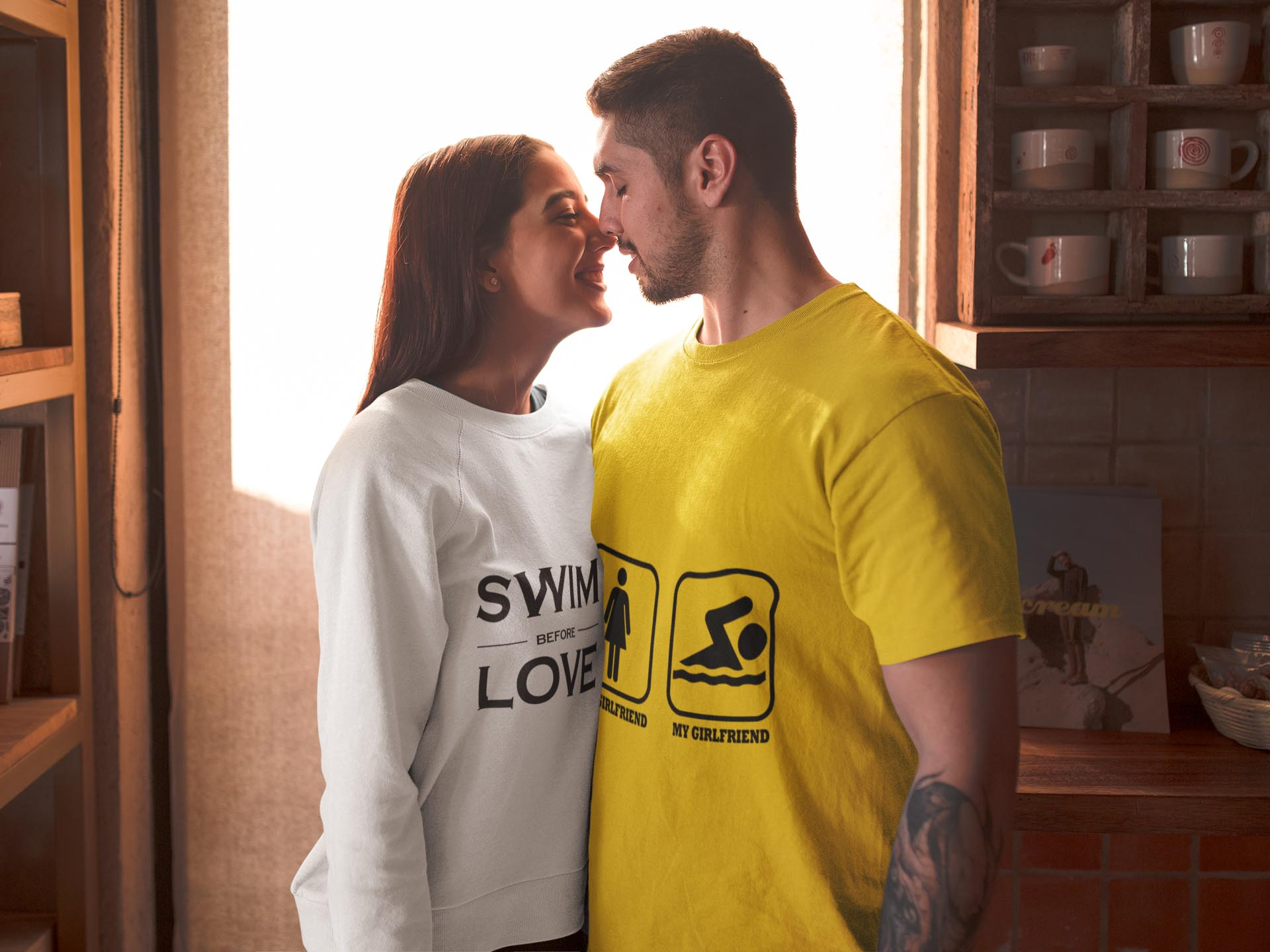 t-shirt-and-sweater-mockup-of-a-couple-in-valentine-s-day-19008 copia