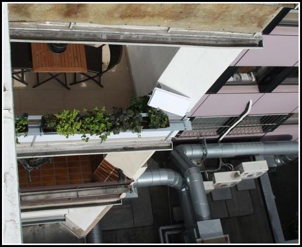 Sat Schüssel Auf Dem Balkon