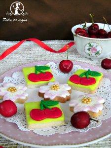 Biscotti con ciliegie in pdz